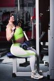 Kobiety bodybuilder szkolenie Zdjęcia Stock