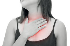 Kobiety cierpienie od zjadliwego reflux lub zgagi zdjęcia stock