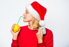 Kobiety cytryny milioner Cytryna pieniądze pojęcie Symbol bogactwo i dobrobyt Dziewczyny Santa napoju soku cytryny kapeluszowa sł fotografia stock