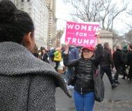 Kobiety Dla atutu, kobiety ` s Marzec, NYC, NY, usa Fotografia Royalty Free