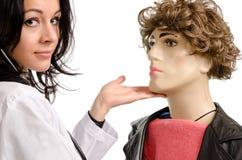 Kobiety doktorska pieszczotliwość samiec Obrazy Stock