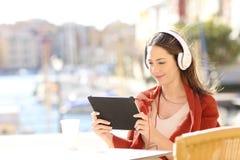 Kobiety e uczenie dopatrywania tutorials online zdjęcie royalty free