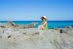 Kobiety i iguana fotografia royalty free