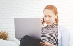 Kobiety i pracują stres zdjęcie stock