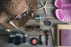 Kobiety kopia i interliniują, Podróżują, pojęcie obraz royalty free