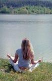 kobiety medytacji otwartym jogi Zdjęcie Royalty Free