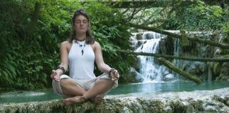 Kobiety medytować Fotografia Stock