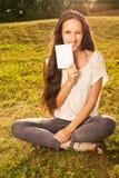 Kobiety mienia pustego miejsca deska outdoors Zdjęcia Royalty Free