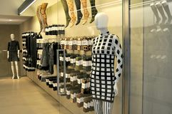 Kobiety mody pantyhose sklep w Włochy Obraz Royalty Free