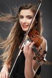 Kobiety mody stylu portret z skrzypcowym muzycznym instrumentem Obrazy Stock