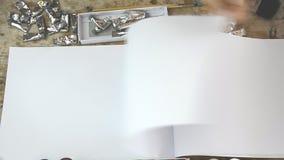 Kobiety muśnięcie podsyca bez koloru dla twój teksta na notatniku lub prezentaci zbiory