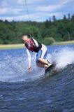 kobiety na nartach wodnych young zdjęcia stock