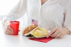 Kobiety odświętności amerykanina dzień niepodległości obrazy stock