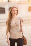 Kobiety odprowadzenie w ulicie Fotografia Stock