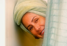 kobiety pod prysznicem Obrazy Stock