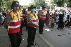 Kobiety polici strażnika wiece w Surakarta Obraz Stock