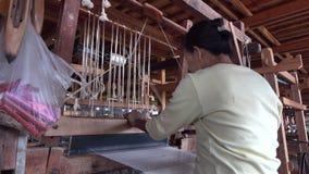 Kobiety pracuje przy fabryką w Inle, Myanmar zbiory