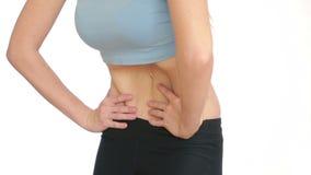 Kobiety sadła brzuch próżniowy masaż podbrzusze dziewczyna ciągnie żołądek zbiory wideo
