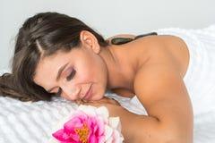 kobiety się masaż zdjęcia stock