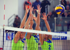 Kobiety siatkówki blok Fotografia Royalty Free
