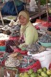 Kobiety sprzedawania owoc i warzywo Flores Zdjęcia Royalty Free