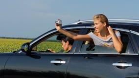 Kobiety target100_0_ pasażerski z samochodowej bierze fotografii Zdjęcie Stock
