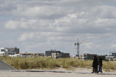 Kobiety ubierali w tradycyjnej Islamskiej sukni na plaży Fotografia Royalty Free