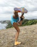 Kobiety ćwiczy kickboxing Zdjęcie Royalty Free