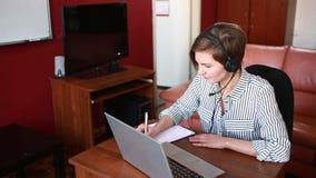 Kobiety wiodąca online wideo konsultacja telework pojęcie zdjęcie wideo