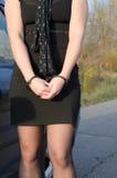 Kobiety zakładali kajdanki kryminalną policję Zdjęcie Stock