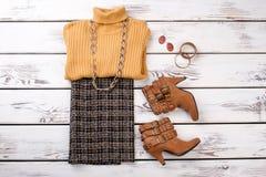 Kobiety zimy odzież z butami i akcesoriami fotografia stock