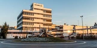 Koblenz Alemanha 09 07 a vista 2017 da sede e da fábrica de Stabilus em Koblenz você pode igualmente ver construções da fábrica Fotos de Stock Royalty Free