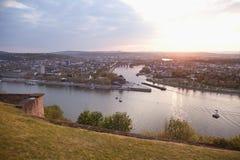 Koblenz, Ehrenbreitstein, vista de Deutsches Eck com teleférico imagens de stock