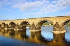 Koblenz, oude brug over de rivier van Moezel. Stock Fotografie