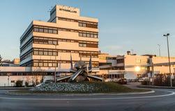 Koblenz Tyskland 09 07 sikt 2017 av den Stabilus högkvarteret och fabriken i Koblenz kan du också se fabriksbyggnader Arkivbild