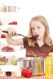 Koch des kleinen Mädchens Stockbild