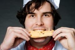 Koch mit Käse Stockfoto