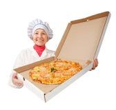 Koch mit Pizza. Getrennt über Weiß Lizenzfreie Stockbilder