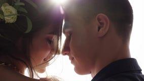 Kocha pary ma romantycznego czas na dachu zbiory