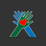 Kocha pojęcie i Dba, Kierowy symbol w rękach Zdjęcie Stock