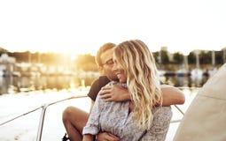 Kochająca para Cieszy się życie zdjęcie stock