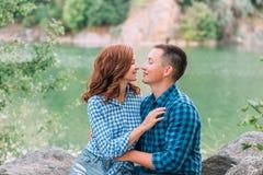 Kochająca para chodzi Fotografia Stock