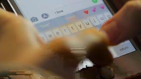 ` kocham ciebie ` tekst - makro- strzał zbiory wideo