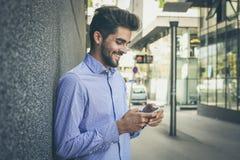 Kocham spokój który przedstawia mobilna technologia obraz royalty free