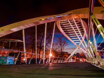 Kochankowie Przerzucają most W Miękkim wieczór Fotografia Royalty Free