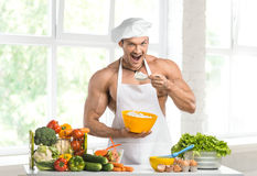 Kochbodybuilder stockfoto