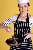 Kochen der Fische. Stockfotos