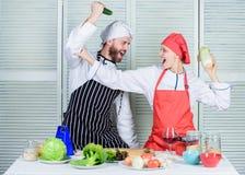 Kochen der gesunden Nahrung Neues vegetarisches gesundes Nahrungsmittelrezept Schlie?en Sie sich gesundem Lebensstil an Frisches  lizenzfreie stockbilder