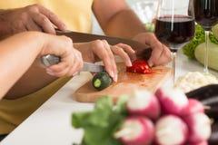 Kochen in der Küche Stockfoto