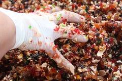 Kochen der süßen Füllung für Kuchen Lizenzfreie Stockfotos
